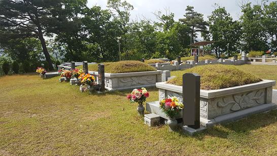 양수리묘지.jpg